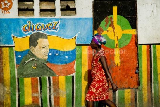 chavez-en-haiti4